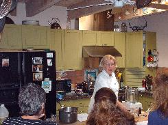 Judith begins the New Orleans food class with her guests.